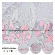 Atacado poliéster multicolor flor bordado malha de renda de tecido de tule