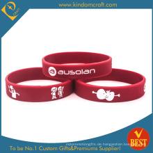 Fashion Rose Red Debossed mit Soft-Emaille-Silikon-Armband (KD1816)
