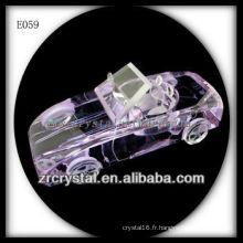 Modèle de voiture en cristal