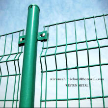 Panneau de clôture de treillis métallique enduit par PVC de sécurité soudé par usine chinoise