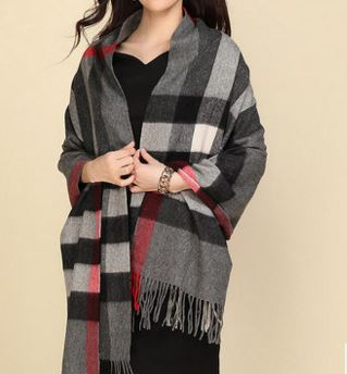 90% Wol 10% Cashmere Woven Throw
