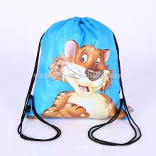 La bolsa de asas reutilizable impermeable de la mochila del lazo del poliéster de la promoción
