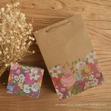 Bolso del regalo del papel de Kraft de la flor con las bolsas de papel coloridas del regalo del bolso del banquete de boda de la manija de la impresión