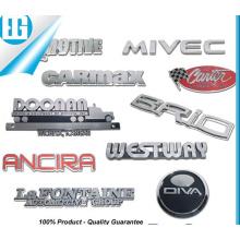 Insignes personnalisés sur l'emblème de voiture pour logo en plastique ABS