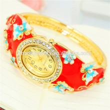 La última moda de la vendimia personalizada Rhinestone mariposa brazalete reloj para las mujeres B078