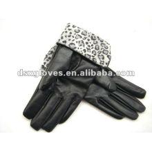 Leopard lining Glove