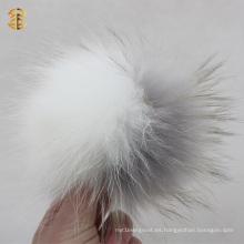 Llavero grande blanco y gris claro de lujo de la bola de la piel de la bola de la piel del mapache