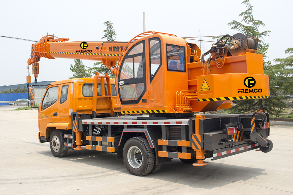 T-king Chassis Truck Crane