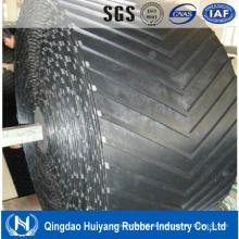 China Qualitäts-schwarzes industrielles Chevron-Gummi-Förderband