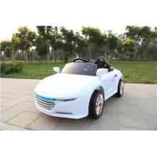 Paseo caliente del coche del juguete de la venta de 2016 RC en coche con pilas del juguete del coche para los niños