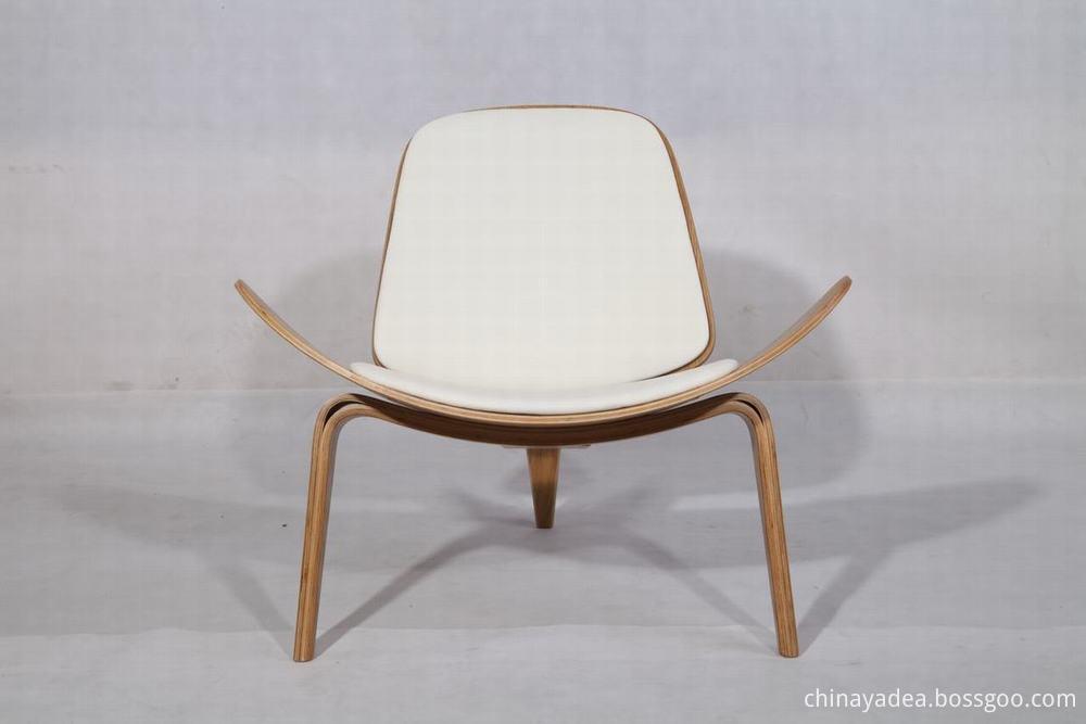 Hans J Wegner Lounge Chair