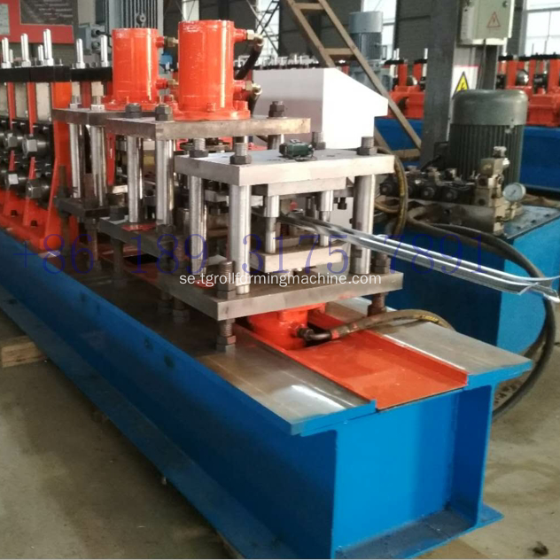 Fäste Post Cold Roll Forming Machine