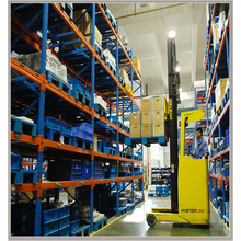 heavy duty pallet racks Convenient Pick Up Cargos Warehousing Racking System
