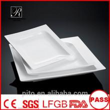 P & T fábrica de cerâmica, placas brancas profundas, tigelas de sopa quadrados
