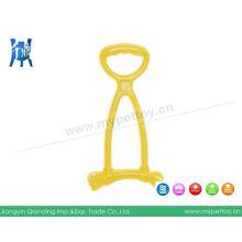 Разноцветная резиновая игрушка-буксир для домашних животных