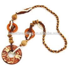 Колье с длинным деревянным ожерельем