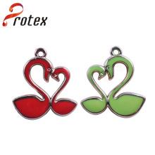 Coração cisne forma de plástico ornamento para vestuário