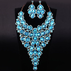 Big Large Crystal Necklace Set With Pink Diamonds