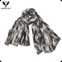 Women Fashion Soft Woven Fabric Print Scarf Irregular Stripe Pattern