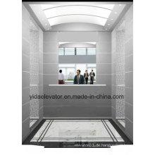 Passagieraufzug mit halber Höhe Spiegel in der hinteren Wand