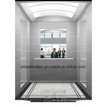 Пассажирский лифт с зеркалом половинной высоты в задней стенке
