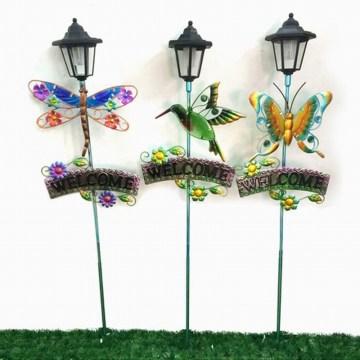 Garten-Dekoration-Buntglas verziertes Metallstange-Fertigkeit mit Solarlicht