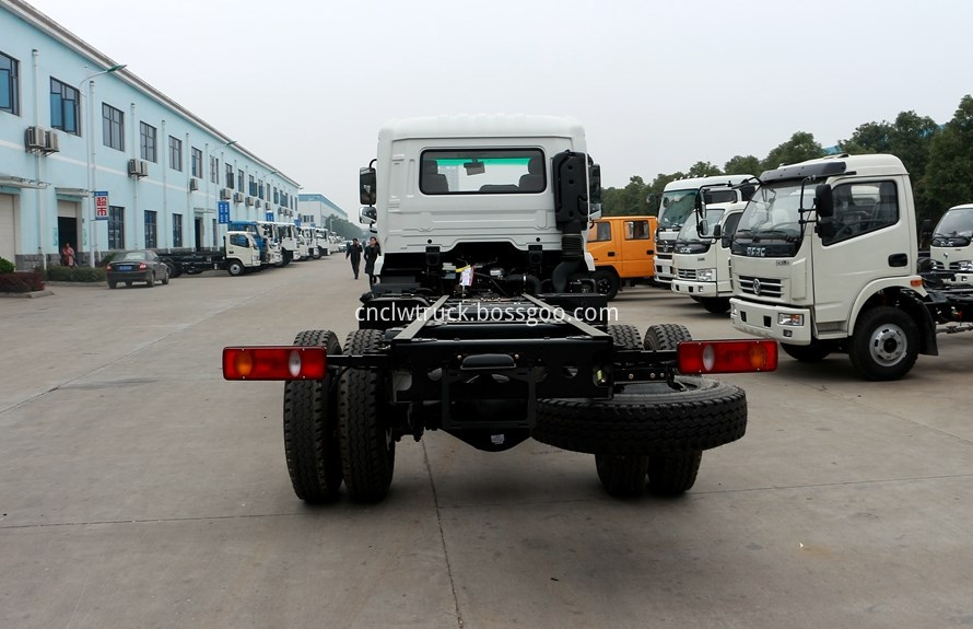 water spray truck chassis 4