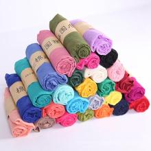 El precio de fábrica al por mayor bufanda barata del poliéster de las mujeres de la bufanda de la sensación del algodón del color sólido
