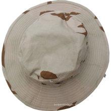 Sombrero de combate del ejército en el desierto Camo
