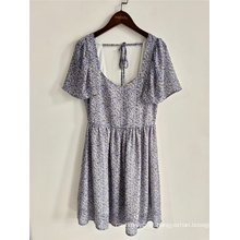 Vestido de verão feminino com estampa floral decote em V