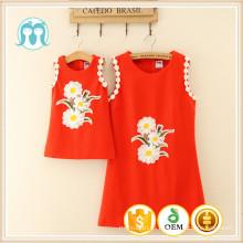 Las mujeres adultas al por mayor rojas mamá y los niños a granel barato a granel impresión diseño de moda de algodón vestido de niña de las flores para venta por mayor