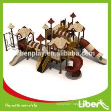 Équipement de terrain de jeu extérieur, toboggans en spirale