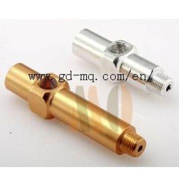 CNC que trabaja a máquina piezas de torneado (MQ1034)