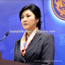 2014 Nouveau Premier ministre de la Thaïlande Flower Square Pure Silk Lady Scarf
