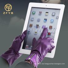 Heißer Verkauf, Damen, die Touchscreen-Leder-Handschuhe tragen