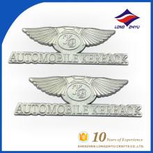 Placa conhecida profissional em forma de asa em metal com logotipo