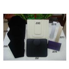 Fornecedores de fabricante de Guangzhou preto PU jóias colar exibição atacado