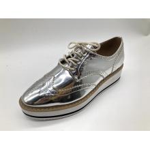 Schnürschuhe mit runden Zehen und Brogue-Schuhen für Damen
