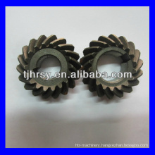 Crown gear wheel for machine