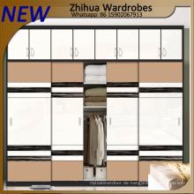 Moderner hölzerner Kleiderschrank-Schrank-Schiebetür