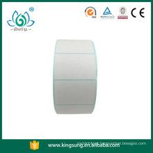 etiqueta térmica da etiqueta do papel traseiro azul vazio no rolo