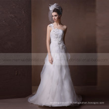 Courroies de fleurs simples A-ligne Robes de mariée Perles de cristal