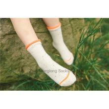 El algodón colorido del algodón de la buena calidad del pun ¢ o flojo calza el precio competitivo