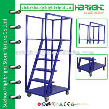 Металлическая лестница для супермаркета