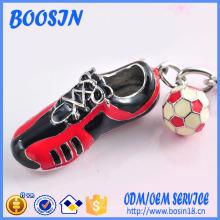 Baskets en alliage de métal d'usine et porte-clés pendentif de football