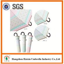 Professional OEM Fabrik liefern schwarzen Regenschirm mit krummen Griff Falten