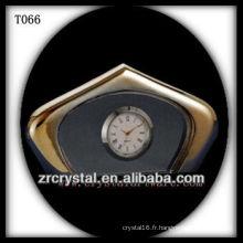 Magnifique horloge en cristal K9 T066