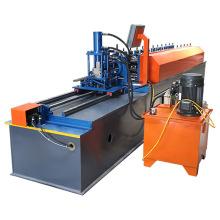 Goujon C et rail de laminage à froid formant la machine