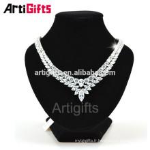 Collier de haute qualité à la main en diamant de zircon cubique