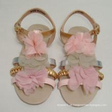 Sapatas da sandália do gril da trança da mão da forma nova com as sapatas artificiais dos miúdos da flor
